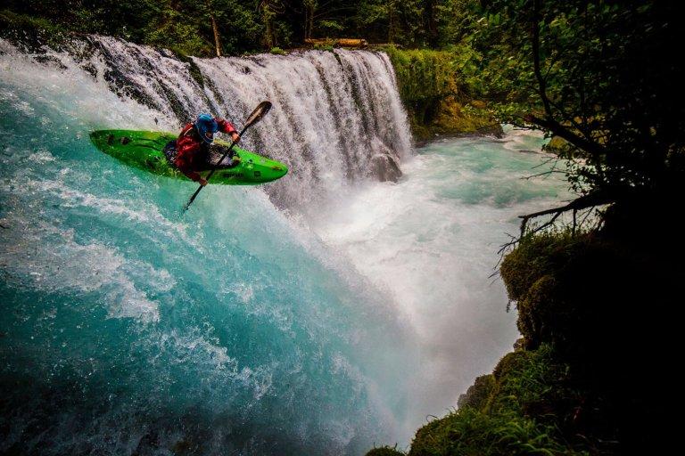 7-http-www-redbull-comenadventurestories1331644108293extreme-kayak